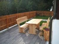 Geräumige Terrasse mit herrlicher Aussicht