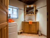 Das geräumige Badezimmer zum Wohlfühlen