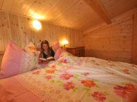 Unsere gemütlichen Betten lassen Sie in einen erholsamen und guten Schlaf fallen.