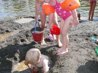 Riesiger Sandhaufen zum Sandburgenbauen
