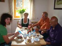 Nachmittagskaffee mit den Gästen