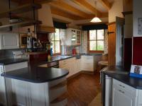 Freuen Sie sich auf genug Platz in der Wohnküche