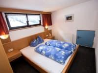 Schlafzimmer 2 Obina Nr. 10