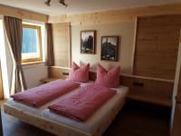 Zimmer Hermerkogel mit Zirbenbett