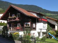 Das Ferienhaus am Biohof Sendler im urigen Tiroler Stil