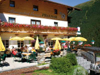 Alpengasthof Praxmar mit Terrasse