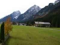'Wetterstein' Blick aus dem Fenster mit den Bergen: Gernspitze, Öfelekopf und Wetterstein