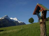 A walk from the Kassnhof through the Fulpmer meadows provides idyllic views