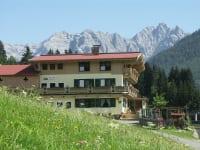 Hofansicht Ferienhof Obertenn Sommer in Hochfilzen