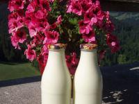 unsere frische Milch von der Alm