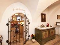 zur Gewölbestuben-Bar im Feriengut Oberhabach