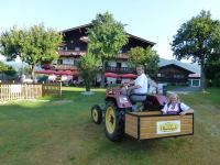 Spaß für Groß und Klein am Feriengut Oberhabach