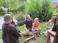 Heufigurenbasteln im Garten