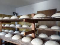 hausgemachtes Brot, bald kommt es in den Ofen