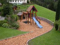 Spielplatz und Tiergehege