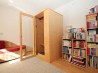 Infrarotwärmekabine und Bücherei