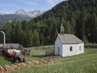Hofkapelle mit Blick auf Bergkastel