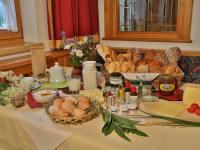 Gesunde Köstlichkeiten vom Bauernhof , Partnerhöfen und der Ortsbäckerei