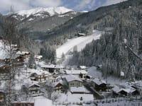 Glinzhof (im Hintergrund) im Winter