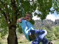 die Baumschauckel am Walnußbaum