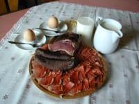 Frühstück am Hof