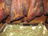 Geselchtes nach altem überliefertem Rezept mit Wacholderbeeren