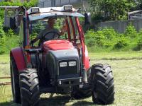 Traktorfahren am Familienbauernhof Tunelhof in Weerberg