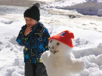 Schneemann bauen - Winterspaß