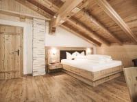 Schafzimmer mit Panorama Blick ins Zillertal