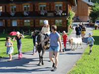 gemeinsames Ponyreiten