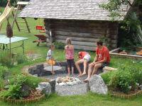 unser Kräutergarten mit Grillplatz