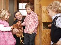 Kinder in unserem Hühnerhaus