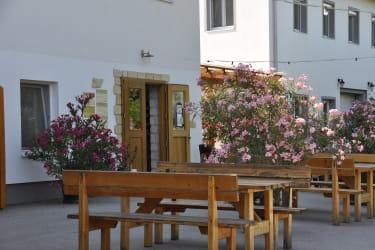 Die Tür zu unserem Weinverkaufsraum.