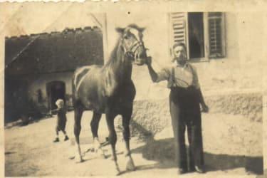 Unser Hof um 1945