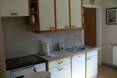 Küchenzeile mit Geschirrspüler