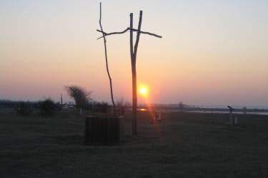 Ziehbrunnen im Sonnenuntergang