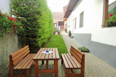 Innenhof mit Garten