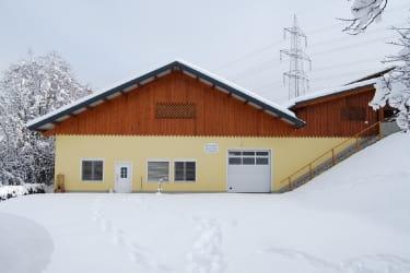 Heizhaus mit Terrasse