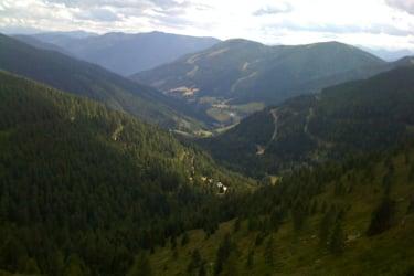 Blick auf St. Oswald und Bad Kleinkirchheim vom Steinnock nähe Lärchenhütte