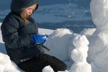 ein Schneemann entsteht ...