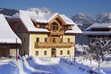 Bauernhaus im Winter