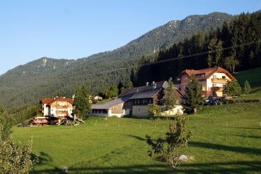 Unsere Häuser (fotografiert von der Liegewiese aus)