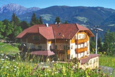 Der Ederhof - richtig idyllisch im Grünen gelegen