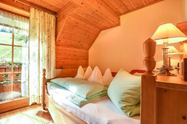 FeWo Sonnenblume und Schwalbennest Schlafzimmer