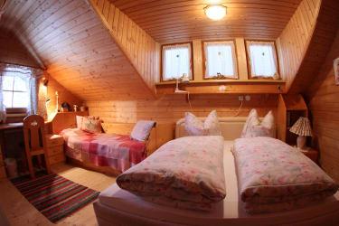 2. Schlafzimmer 3-Bett