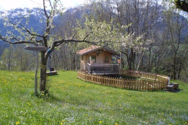Fischerhütte im Frühling