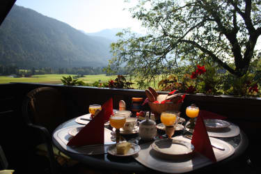 Frühstück in der Morgensonne