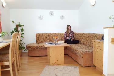 bauernhof-ober_fewo-adlerhorst-wohnzimmer