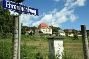 Zufahrt über den Ehrenbichlweg