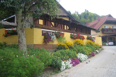 Hofeinfahrt zum Wunderhof